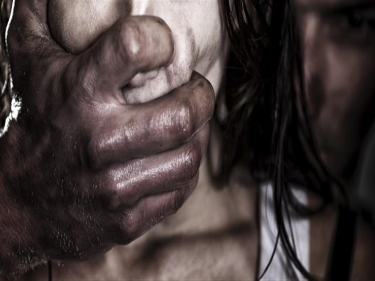 داخل شقتين وفي أرض زراعية.. تفاصيل اغتصاب 5 أشخاص لمعاقة ذهنيًا بكفر الشيخ