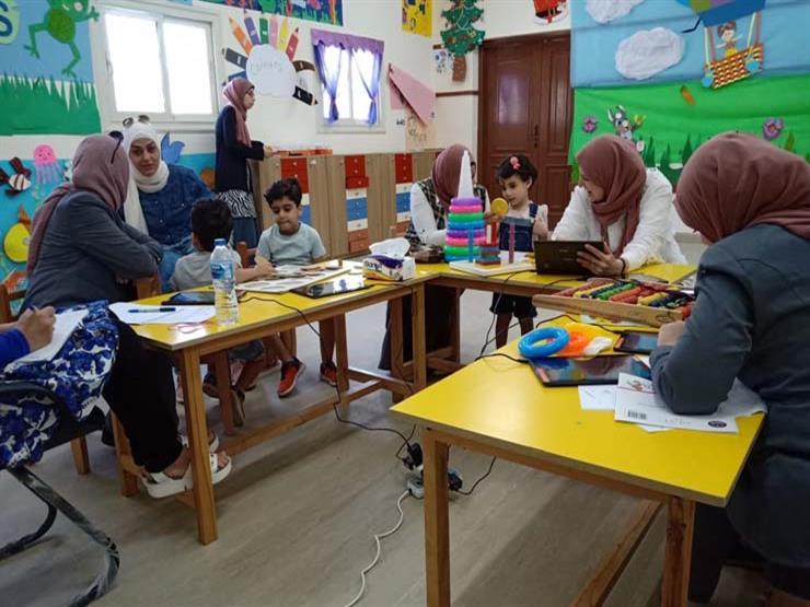 بالصور.. مدارس النيل المصرية تجري المقابلات الشخصية للطلاب المرشحين