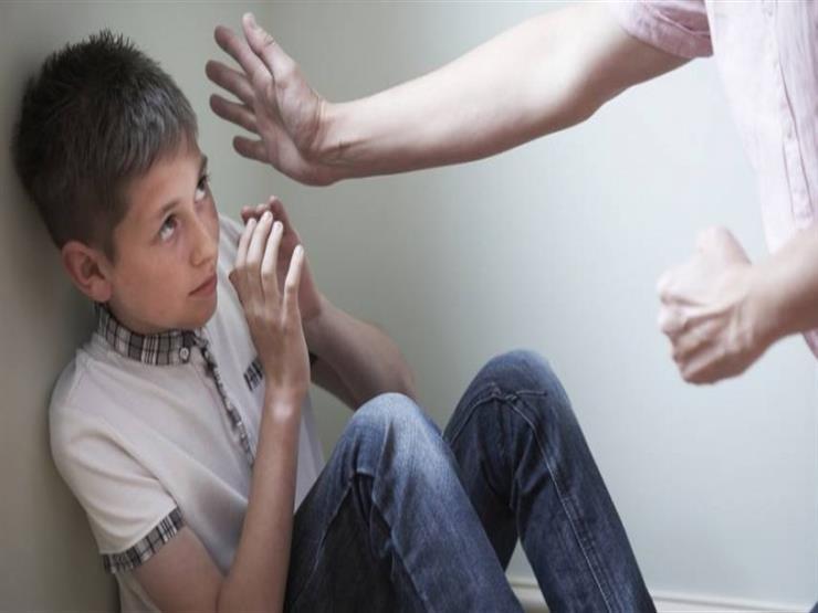 هل ضربت طفلك؟.. اعرف ما ينبغي عليك فعله بعدها