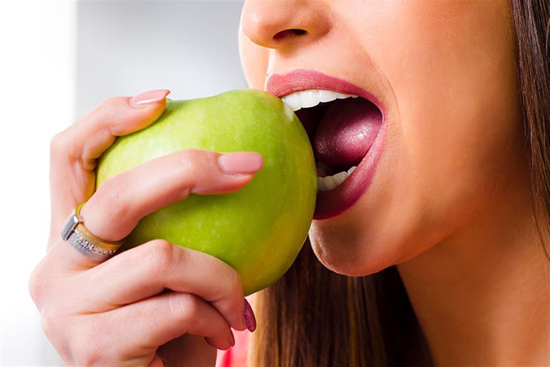 ليس الكالسيوم فقط.. 4 عناصر غذائية تحتاجها أسنانك