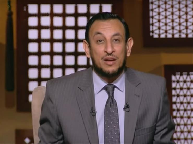 """بالفيديو.. عبد المعز يطالب بتقصير وقت خطبة الجمعة: """"5 دقائق كفاية"""""""
