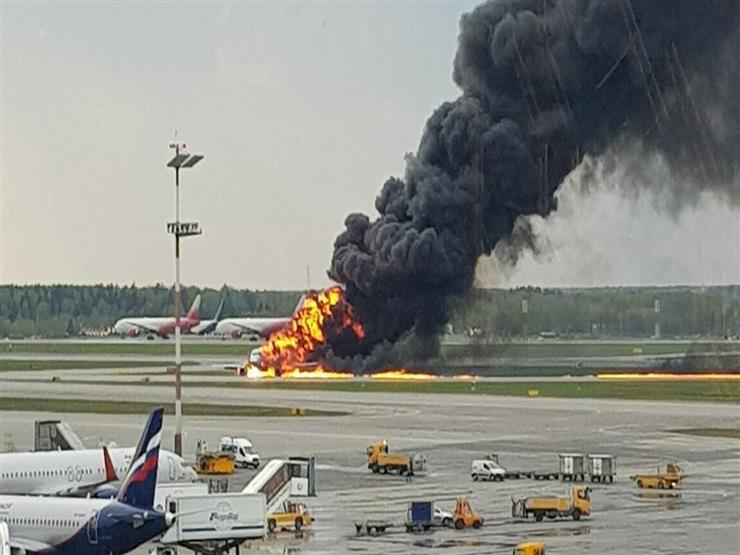 مقتل طيارين ونجاة 43 راكبا بحادثة هبوط اضطراري لطائرة شرقي روسيا