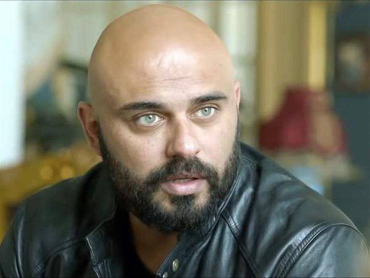 """أحمد صلاح حسني متغزلًا في جمال الشواطئ المصرية: """"حاجة تانية"""""""