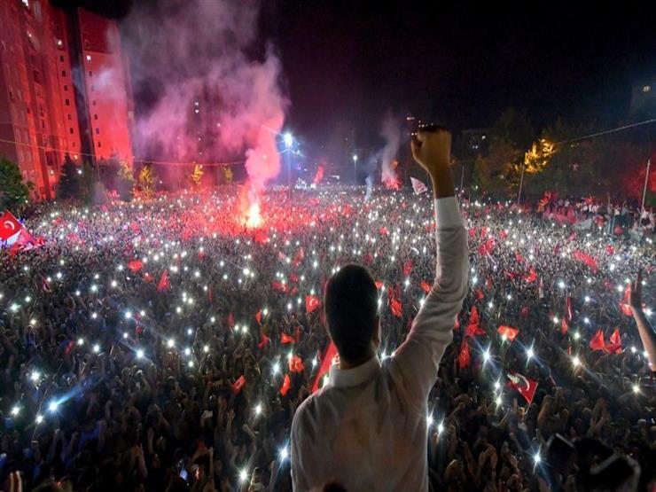 """""""يسيطر على أكبر خمس مدن في تركيا"""".. كيف يهدد إمام أوغلو عرش أردوغان؟"""