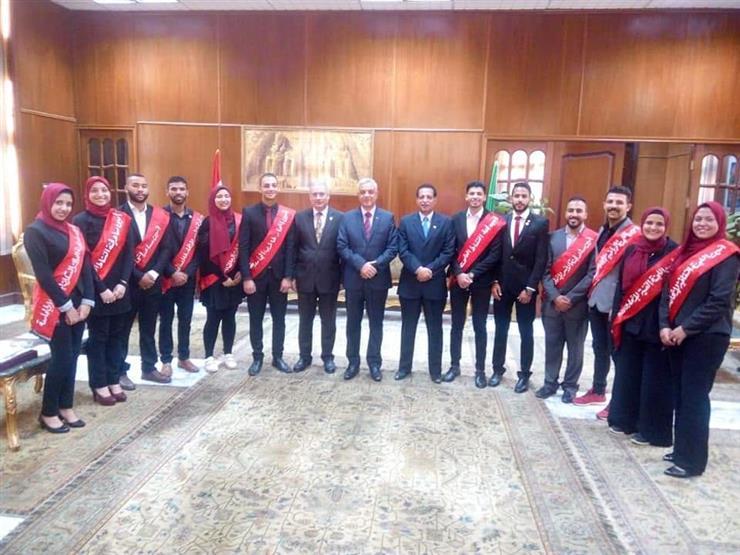 رئيس جامعة المنوفية يلتقى باتحاد الطلاب   مصراوى