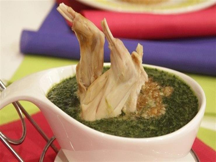 إفطارك اليوم| الملوخية بالأرانب.. تعرف على طريقة التحضير والمقادير