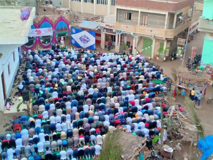 حكم زيادة الصلاة على النبي ﷺ في تكبيرات العيد.. هل هو بدعة؟