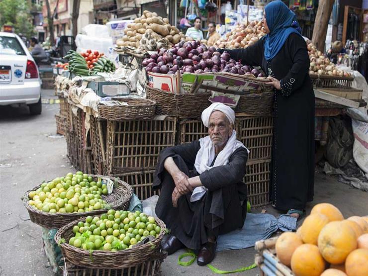 الليمون وصل 80 جنيهًا.. ورئيس شعبة الخضروات يوضح السبب