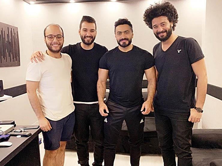 خاص| الموزع الموسيقي أحمد حسام يكشف كواليس أغاني تامر حسني في حفل العيد