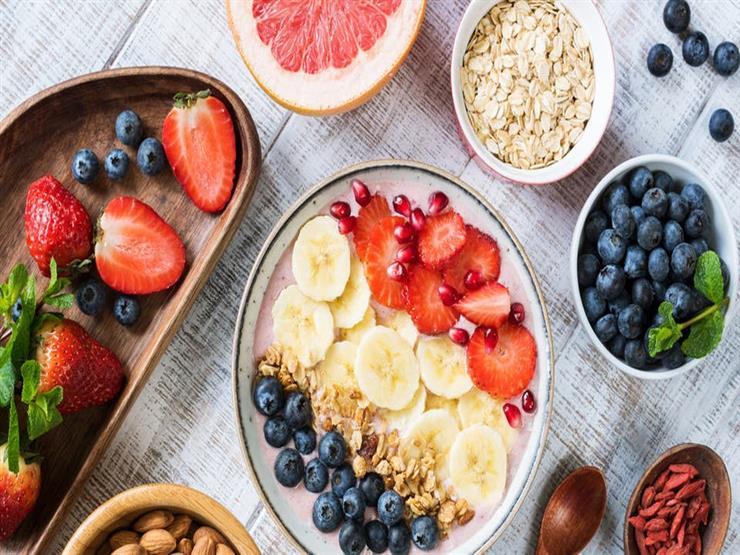 10 أطعمة تمنحك شعورا بالانتعاش والنشاط.. منها الفشار