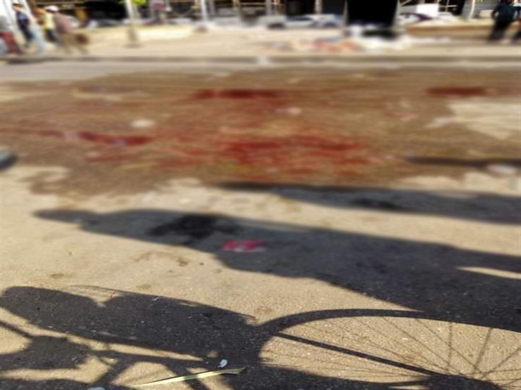 التفاصيل الكاملة.. ملثمون يمزقون جسد مواطن في الشارع بالمنصورة - فيديو