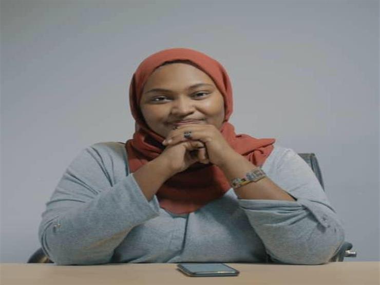 """""""شوية ثورة سودانية"""".. """"آمنة"""" تسعى لتوثيق الحراك المجتمعي في برنامج"""
