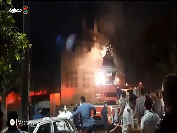 """رجال الدفاع المدني يخمدون حريق """"كنيسة الأنبا بولا"""""""