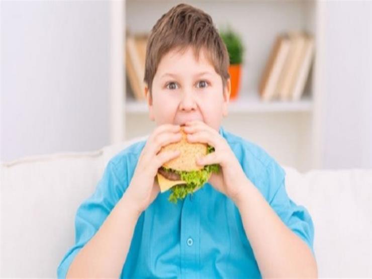 البدانة تهدد طفلك بالسكري والكبد الدهني