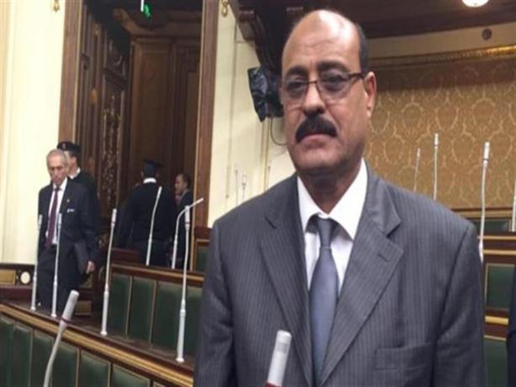 """حبس النائب صلاح عيسى 4 أيام في قضية """"رشوة المقابر"""""""