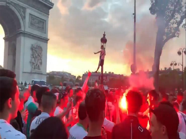 احتفالات جماهير الجزائر في باريس بعد التأهل لنصف نهائي أمم أفريقيا (فيديو)