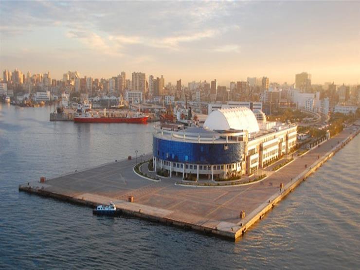 وصول 284 ألف طن بضائع.. نشاط في حركة السفن بميناء الإسكندرية