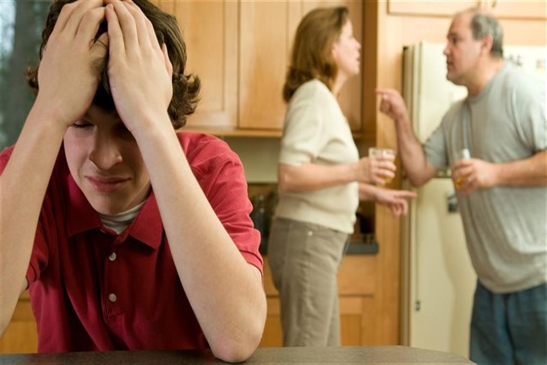 إذا جاءت مخيبة للآمال.. كيف تواجه ابنك عند ظهور نتيجة الثانوية؟