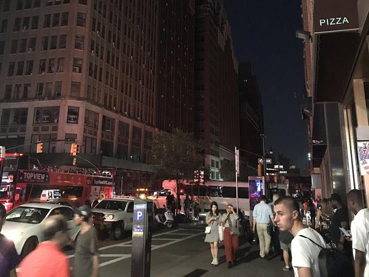 5 ساعات في ظلام دامس.. كيف عاشت نيويورك بدون كهرباء؟