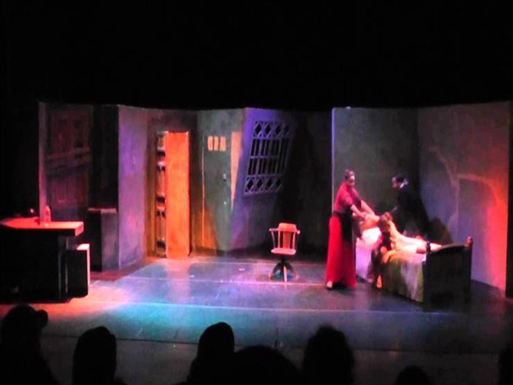 """عرض مسرحية """"امرأة وحيدة """"بالاسكندرية"""