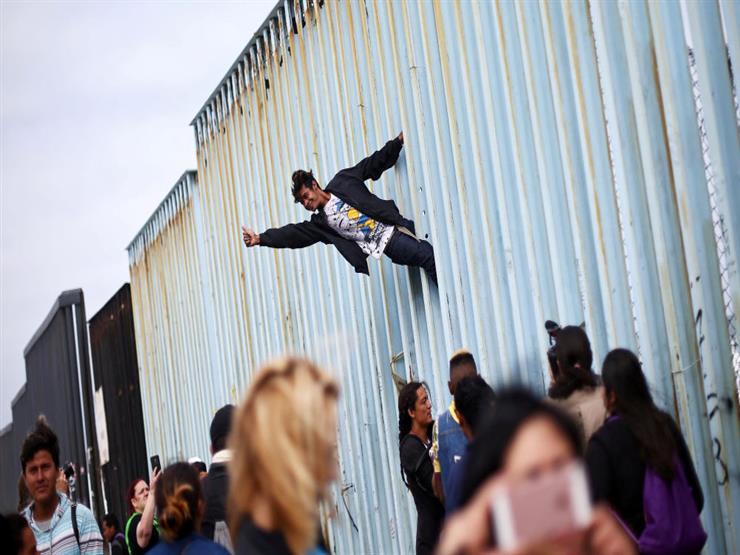 بداية بطيئة لمداهمات تستهدف المهاجرين في أنحاء الولايات المتحدة