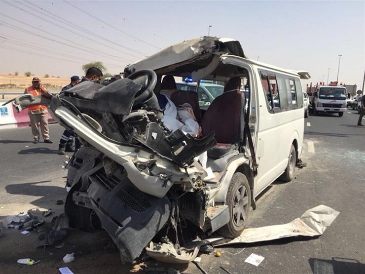 مصرع 9 وإصابة 11 في اصطدام ميكروباص بسيارة نقل بقنا