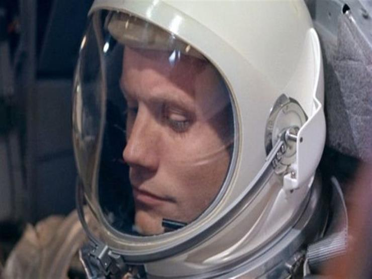 نيل أرمسترونغ: لغز أول إنسان هبط على سطح القمر