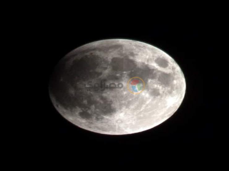5 صور ترصد بداية خسوف القمر في مصر