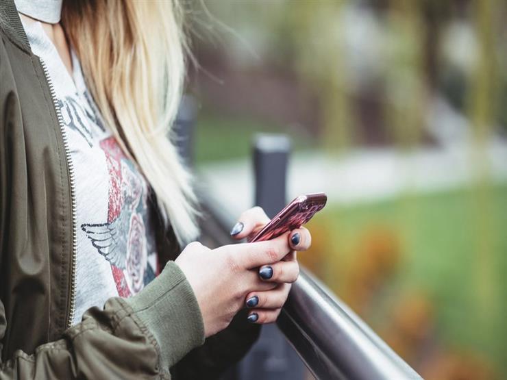 نسخ احتياطي وسماعات وبطارية هاتف.. تدابير تقنية مهمة أثناء السفر