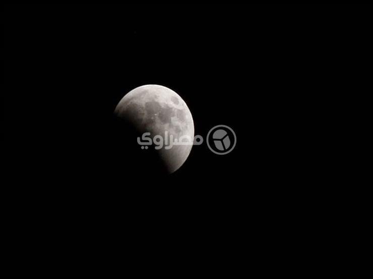 بالفيديو| ما العبادة الأفضل عند خسوف القمر؟.. تعرف على رد أمين الفتوى