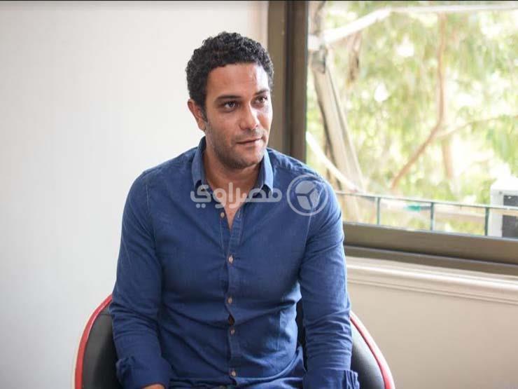 """بالفيديو- آسر ياسين يطلق """"يلا نكمل بعض"""" لدعم المنظمة الدولية للهجرة"""