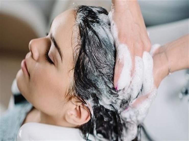 أسباب تدفعك لعدم غسل شعرك يومياً