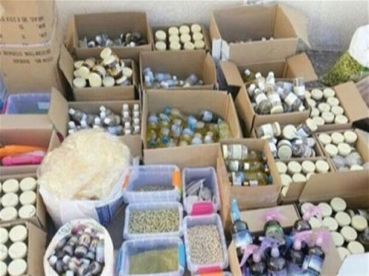 ضبط 60 طن أعشاب طبية مجهولة المصدر داخل مخزن بالإسكندرية