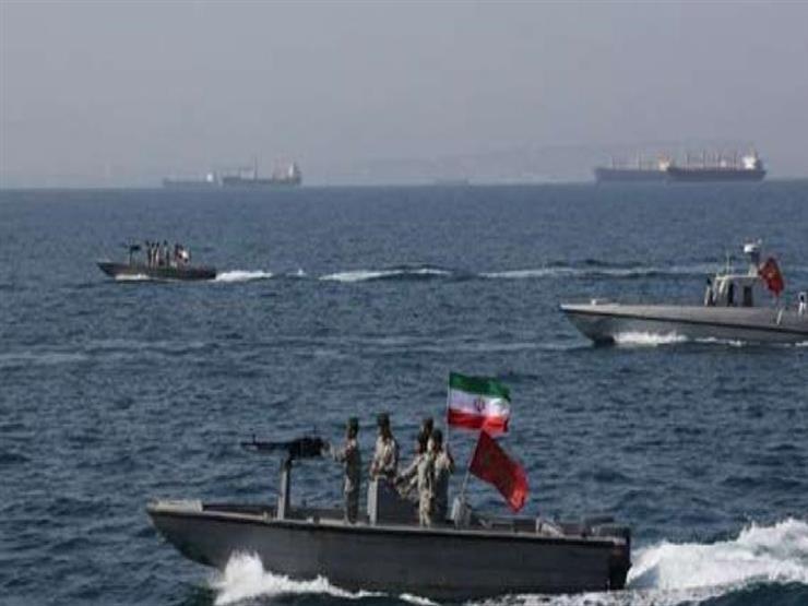 مسؤول إيراني: لن نسمح لأمريكا وبريطانيا بالسيطرة على مضيق هرمز
