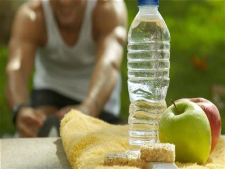 تُخلصك من السموم.. 7 نصائح للاستمتاع بصيف صحي