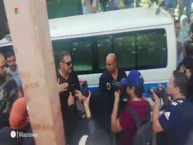 وداعا الحاوي.. مصر تشيع جنازة الفيشاوي