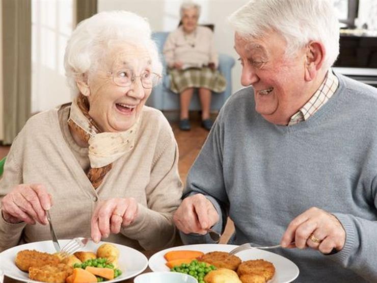 دراسة توضح خطورة النظام الغذائي السيئ على كبار السن