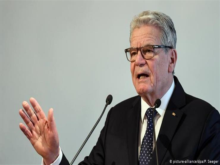 إنقاذ رئيس ألمانيا السابق عقب انقلاب مركب شراعي يقله