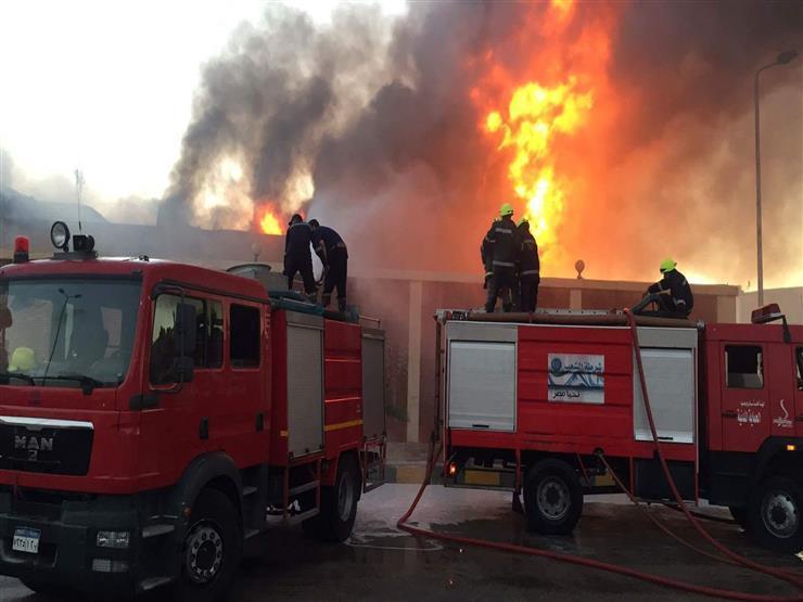 السيطرة علي حريق بمخزن كرتون بالقناطر الخيرية