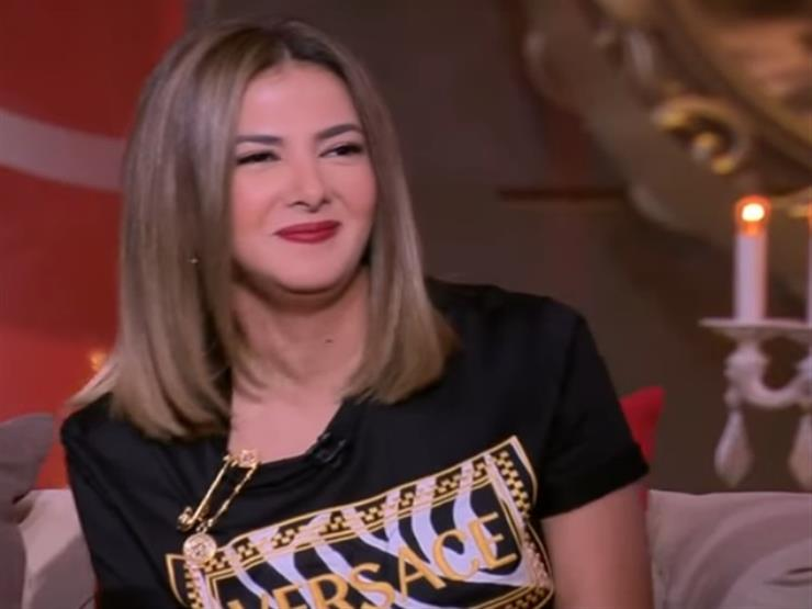 دنيا سمير غانم ممازحة عمرو أديب: توقفت عن الدايت بسببك