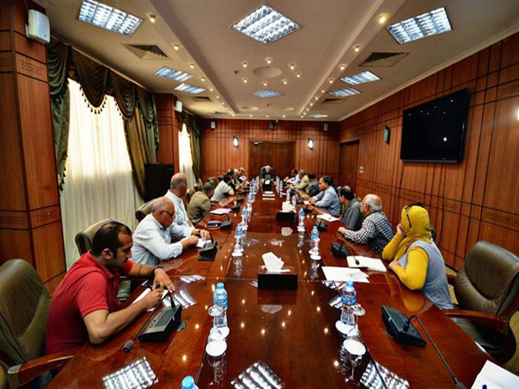محافظ بورسعيد يناقش سبل مواجهة انقطاع المياه المتكرر