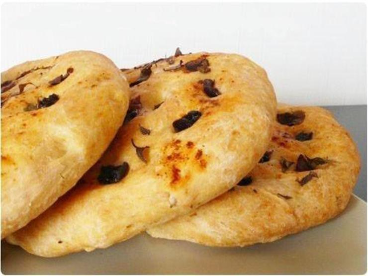 """طريقة عمل خبز الزيتون من """"نجلاء الشرشابي"""""""