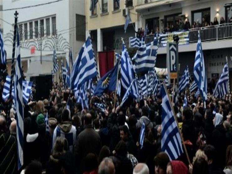 اليونانيون يصوتون في انتخابات عامة قد تطيح برئيس الوزراء تسيبراس
