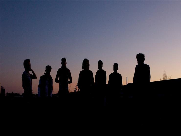 بالحديث: هؤلاء هم السبعة الذين يظلهم الله في ظله