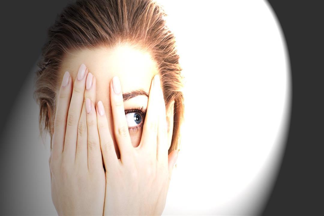 تهدد بفقدان البصر.. 8 أمراض تصيب العين خلال الصيف