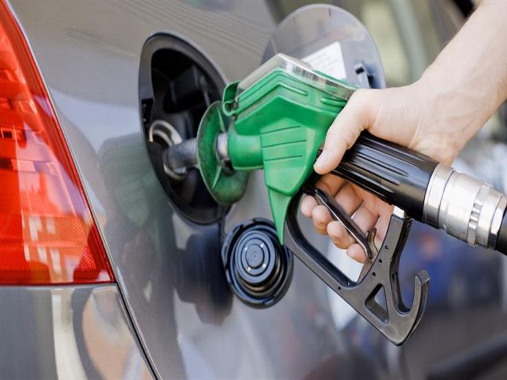لهذه الأسباب.. تجنب ملء خزان وقود السيارة بالكامل في الأيام الحارة