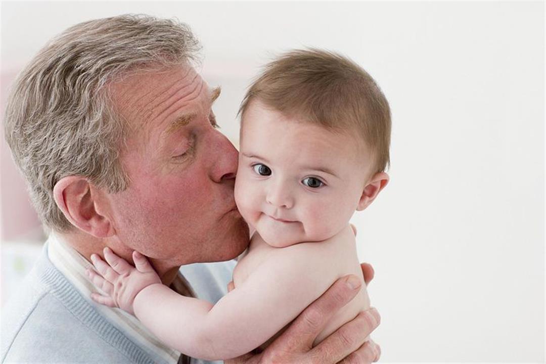 دراسة: الزواج المتأخر له تأثير إيجابي على صحة الأطفال