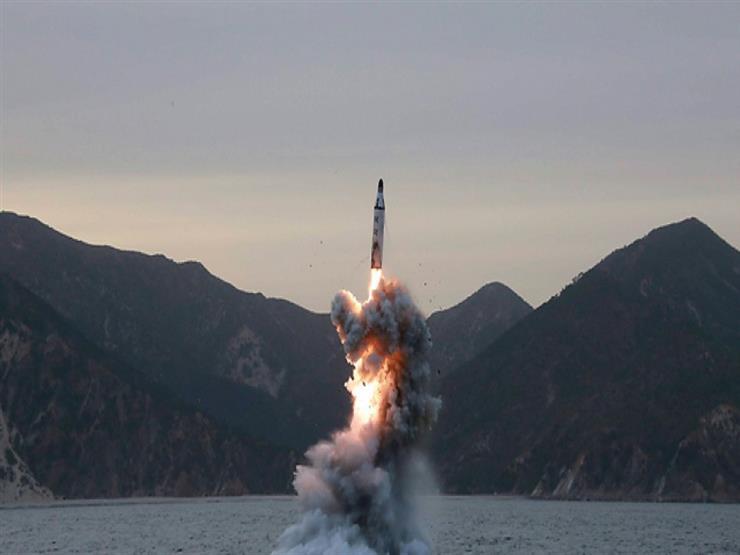كوريا الشمالية تختبر نظاما جديدا لإطلاق الصواريخ تحت اشراف زعيمها
