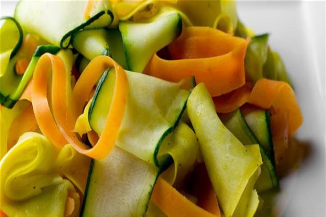 لا تتخلص منها.. 5 فوائد مذهلة لقشور الخضروات والفاكهة  (صور)