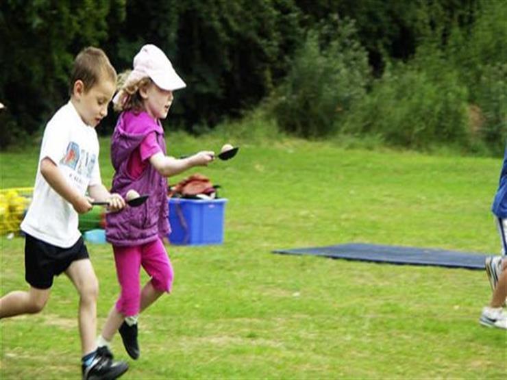 تحدي الملعقة لتدريب المهارات الحركية لطفلك